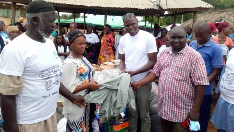 N/R: SEDARVP-GHANA and partners donate to Nawuni flood victims