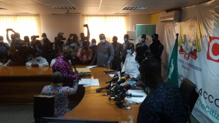 Election 2020: Akufo-Addo submits nomination forms to EC