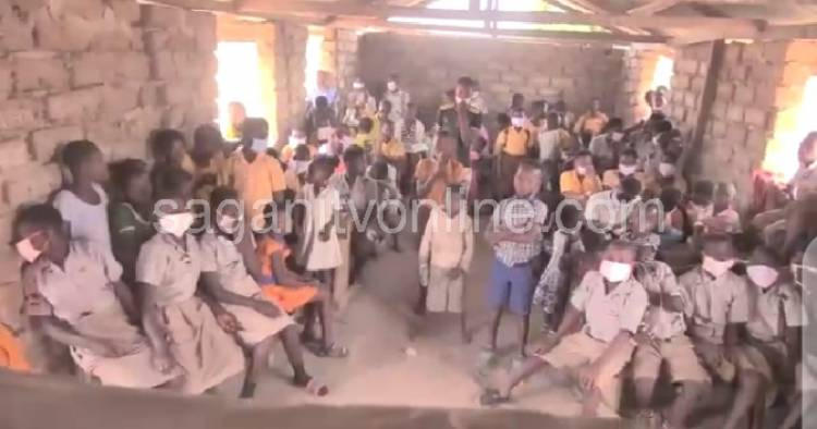 Lack of Infrastructure Compel Teachers to Teach in Over Crowded Classroom amidst Covid-19 pandemic.
